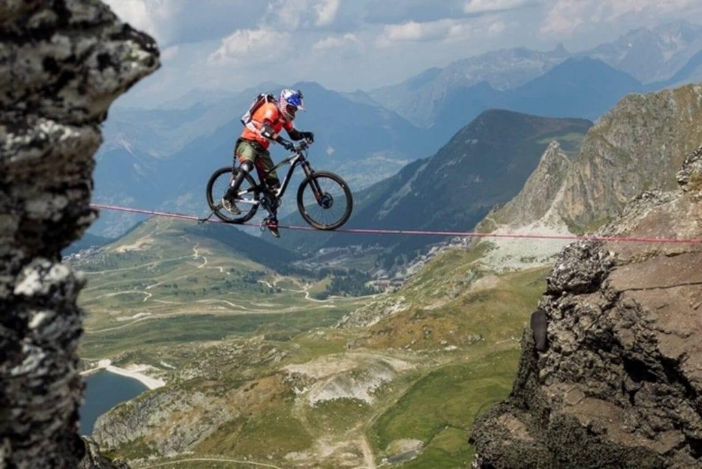 ciclista slackline