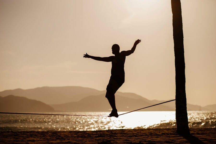 Slackline um ótimo exercício para corrigir a sua postura.jpg - Slackline: um ótimo exercício para corrigir a sua postura