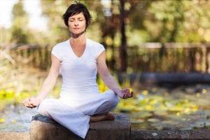 respire e relaxe aprenda 5 tecnicas faceis de meditacao 300x200 - Respire e relaxe: aprenda 5 técnicas fáceis de meditação